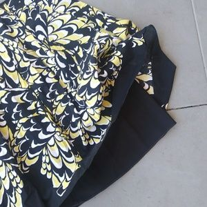 Tahari Skirts - Fully Lined Black and Yellow A Line Skirt